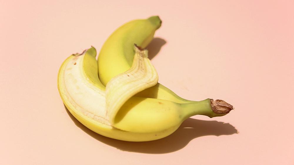 duas bananas representando como falar sobre prazer feminino com a outra pessoa